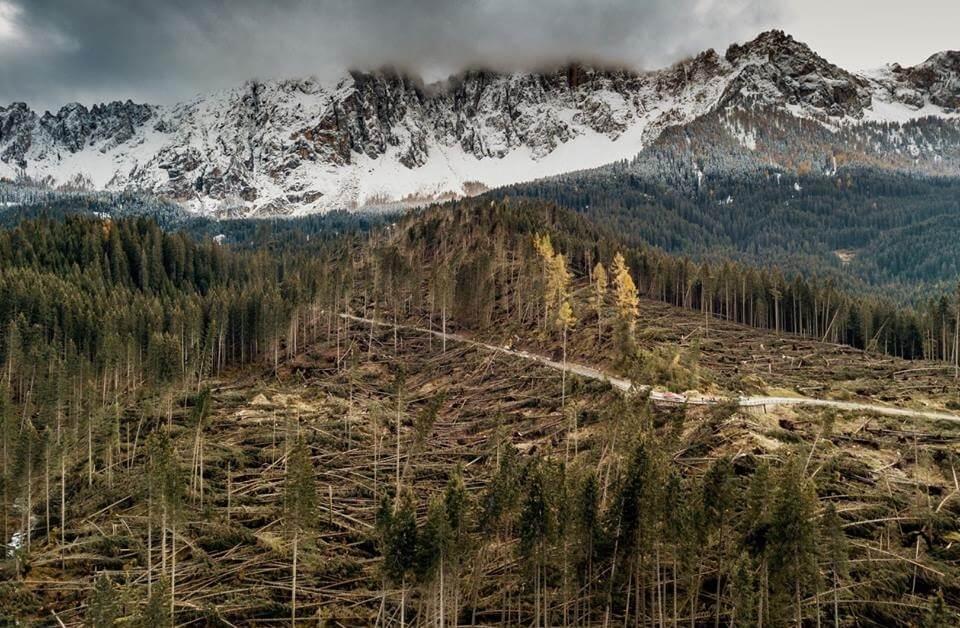 """Ciclone mediterraneo """"Vaia"""": il nord Italia colpito dalla più importante bufera degli ultimi 50 anni"""