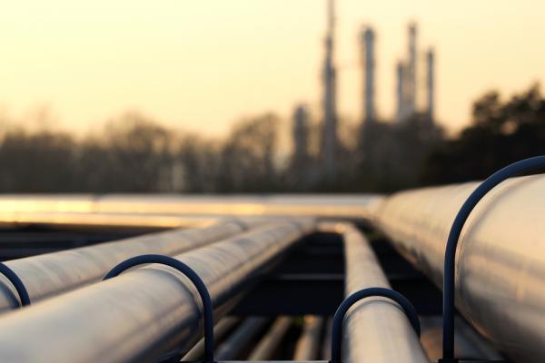 Addio gas? Investimenti oil&gas a rischio (e già oggi superati da quelli nel settore elettrico)