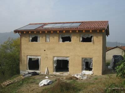 Edilizia sostenibile le case di paglia rete clima for Piani di casa per case costruite su una collina
