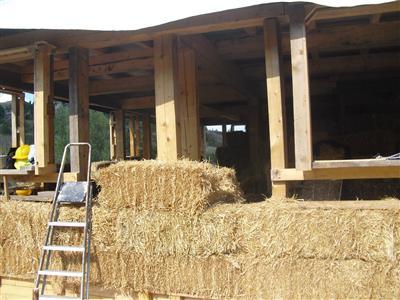 Corsi per la costruzione di case di paglia una news da for Nuove planimetrie per la costruzione di case