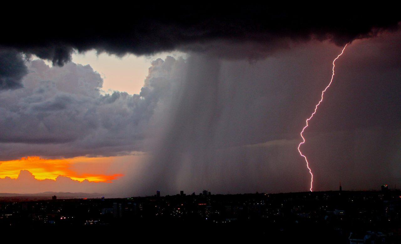 Previsioni degli effetti del riscaldamento climatico sugli eventi meteorologici estremi
